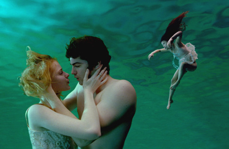 Evan Rachel Wood and Jim Sturgess in Julie Taymor's Across the Universe